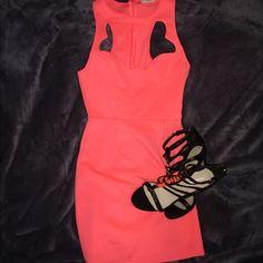 ✨NWOT TOBI CUTOUT DRESS✨ Never worn size small TOBI cut out dress. Brand new condition. Tobi Dresses