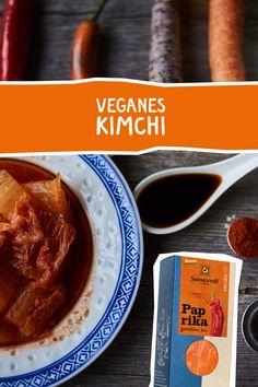 Kimchi - eingelegter Chinakohl mit Gewürzen. #vegan #vegetarisch #fermentieren #kimchi #paprika Vegan Food, Vegan Recipes, Food Art, Toast, Gluten Free, Drinks, Cooking, Breakfast, Healthy