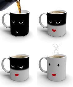 Taza de Damian O'Sullivan, que según la va calentando el café cambia de humor
