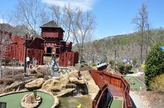 Davy Crockett Mini Gold - Located in Gatlinburg, this mini golf is fun for the whole family!
