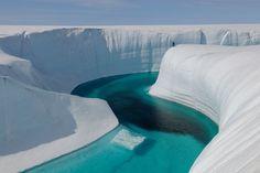 Lake in Greenland ~breathtaking!