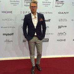 Style jacket suit white shirt