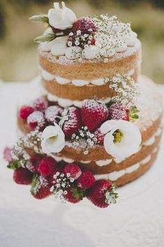 Naked cake | Photography and styling | Frankee Victoria Photography