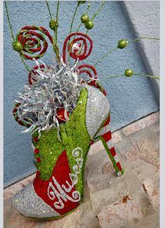 Glitter artist Cari R salutes Junie B Jones!!