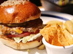 trend_160329_thegreatburger_burger