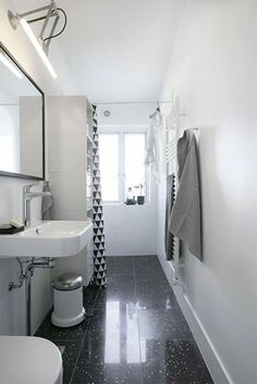 Betagende badev relser on pinterest modern art deco bathroom and inspiration - Deco toilet zwart ...