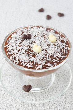 Chocolate Coconut Mousse. You'll need: full-fat coconut milk, cocoa powder, and stevia. Optional: shredded coconut, almond butter, cinnamon.