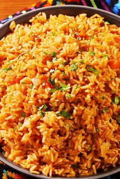Arroz con Pollo (Spanish Rice with Chicken) Mexican Dishes, Mexican Food Recipes, New Recipes, Vegetarian Recipes, Cooking Recipes, Healthy Recipes, Cooking Icon, Cooking Tools, Recipes With Rice