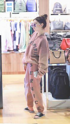 Ulzzang Fashion, Kpop Fashion, Daily Fashion, Korean Fashion, Kpop Outfits, New Outfits, Cute Outfits, Fashion Outfits, Jeon Somi