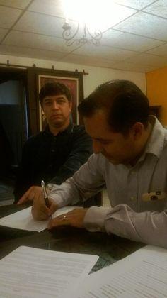 Firmando el Convenio Grupo Liderarte