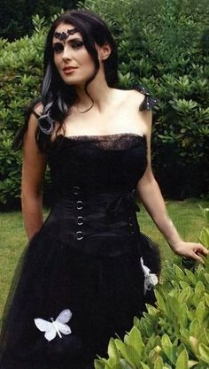 Within Temptation's Sharon den Adel – Supreme Rock Goddesses Metal Sinfônico, Gothic Metal, Gothic Rock, Black Metal, Gothic Dress, Lolita Dress, Adele, Musica Metal, Ladies Of Metal