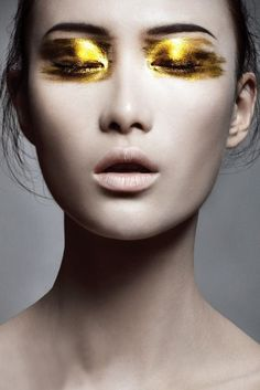 Loving this Gold Eye Inspo -  #makeupinspo #eyemakeupinspo #makeup #beauty