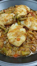 Cocina Basica y Fresca: LOMOS DE MERLUZA EN SALSA CON VERDURAS CBF@ Healthy Salads, Yummy Snacks, Stew, Tapas, Crockpot, Food And Drink, Pork, Menu, Plates