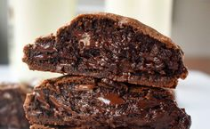 Levain Bakery Dark Chocolate Chocolate Chip Copycat Cookies by Modern Honey. The original copycat Levain Bakery Cookie recipe that has a 5 star rating. The most popular cookie from the famous New York City bakery. www.modernhoney.com