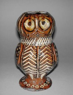 pottery Collection: J. Glaisher Category: lead-glazed earthenware Name(s): owl jug cover slipware; category Date: circa 1680 — circa 1700 Period: late Century Ceramic Owl, Ceramic Animals, Ceramic Pottery, Pottery Art, Owl Art, Bird Art, Antique Pottery, Art Decor, Decoration