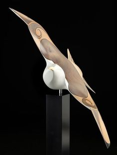 Mew Gull by Rex Homan, carved in kauri wood, NZ. 6750 CAD. (View 2)
