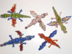 Make your own bead dragons. Pony Bead Animals, Beaded Animals, Pony Bead Patterns, Beading Patterns, Cross Stitch Charts, Cross Stitch Patterns, Pony Bead Projects, Art Projects, Bead Lizard
