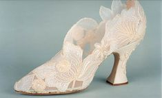 Oh, so beautiful!  Fantasy shoes by Basia Zarzycka