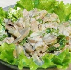 Среди оригинальных рецептов от Петелинки салат с курицей, ананасом и грибами занимает полагающееся ему почетное место. Это легкая и необычная закуска с пикантным вкусом, которую можно быстро приготовить к любому празднику.  Приготовление салата с курицей, ананасом и грибами     Филе к
