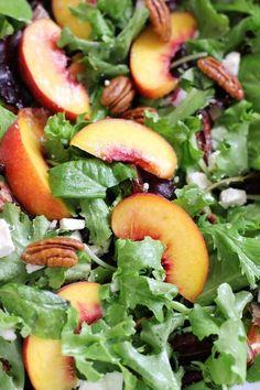 Peach, feta and pecan salad – Green Valley Kitchen - Salat Ideen Easy Salads, Healthy Salads, Summer Salads, Healthy Eating, Summer Salad Recipes, Green Salad Recipes, Spring Salad, Fruit Salads, Vegetarian Recipes