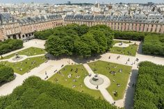 Going Green in Paris: Best Places for Picnics in the City