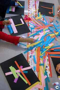 Ecole Art, Kindergarten Art, Elements Of Art, Art Classroom, Recycled Crafts, Teaching Art, Teaching Colors, Art Plastique, Elementary Art