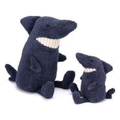Köp Jellycat - Toothy Shark - JellyCat direkt på nätet hos Litenleker.se. Designade leksaker levereras direkt hem till dörren. Välkommen!
