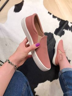 Pretty Shoes, Cute Shoes, Shoe Boots, Shoes Sandals, Heels, Fashion Boots, Sneakers Fashion, Shoe Collection, Slip On Shoes