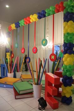 44 Ideas for Children& Graduation Decorations - Aluno On - - Simple Stage Decorations, Backdrop Decorations, Class Decoration, Balloon Decorations, Graduation Decorations, School Decorations, Birthday Decorations, Annual Day Themes, Abc Birthday Parties
