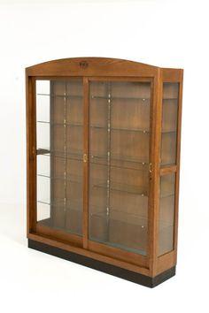 Art Nouveau - vitrinekast met schuifdeuren