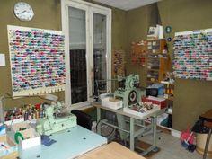 atelier_1 Laura Lee, Mercerie Paris, Craft Shop, Photo Wall, Vanity, Desk, How To Plan, Frame, Occasion