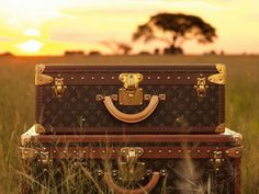 louis vitton trunks. louis vitton didnt start out making handbags, they made trunks. a vintage louis vitton trunk sells for 100,000 or more today depending on its condition. <3