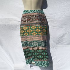 CLEARANCE M Tribal Design Midi Skirt NWT