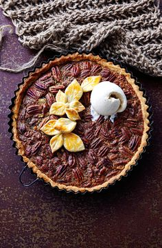 Maple pecan pie with spiced rum ice-cream « American Recipes « All Tasty Recipes Spiced Pecans, Spiced Rum, Maple Pecan Pie, Best Pecan Pie Recipe, American Desserts, Christmas Desserts, Pie Recipes, Recipies, Delicious Desserts