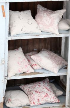 Peony and Sage Lavender Pillows * www.peonyandsage.com