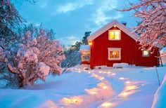 Red cottage house on christmas ♡♡♡