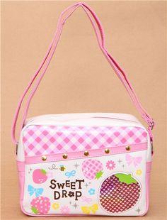 Strawberry artificial leather shoulder bag. #Japan #Lolita