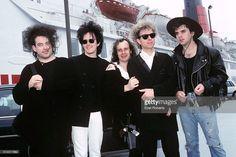The Cure llegar a América en el Queen Elizabeth 2 en el Muelle 90 en la ciudad de Nueva York el 20 de agosto de 1989. (LR) <un gi-track = 'captionPersonalityLinkClicked' href = / / galerías de buscar frase = Robert + Smith + - + músico y familia = contenido editorial y de specificpeople = 198.989 ng clic = '$ event.stopPropagation ()'> Robert Smith </a>, <un gi-track = 'captionPersonalityLinkClicked' href = / galerías / search? phrase = Roger + O% 27Donnell y la familia = contenido…