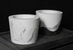 ORE | Monochrome wave pots