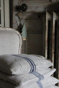 Vintage-Interior, déco vintage, brocante, déco brocante, coussin lin chanvre