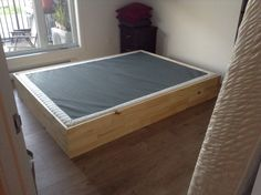 Base de lit double bois de grange promotions laval for Base de lit double kijiji