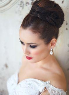coiffure mariage tresse autour de chignon haut
