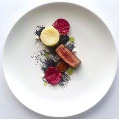 Beef fillet, whole roasted celeriac, confit leek, burnt leek, herb gel, radicchio & horseradish cremè by @convalias #GourmetArtistry