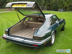 Sad Jaguar were not more progressive with their designs, this Lynx Eventer XJS would have sold heaps as a more useful bucket.