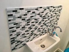 relookez vos pi ces facilement pour une fraction du prix un carrelage mural simple poser et. Black Bedroom Furniture Sets. Home Design Ideas
