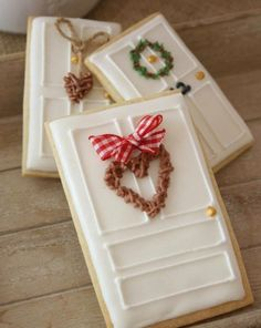 14 Fun Cookie Decorating Ideas to Try Out This Christmas (Christmas Sugar Cookies Decorated) Cute Christmas Cookies, Iced Cookies, Christmas Sweets, Christmas Cooking, Noel Christmas, Holiday Cookies, Cookies Et Biscuits, Christmas Biscuits, Decorated Christmas Cookies