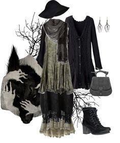 gothiccharmschool:  stregaforest:  Feral Maiden par pandora-hydrangea-velours utilisant blouse paysanne  More dark mori/Black Forest mori. ...