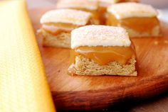 Dulce de Leche Snickerdoodle Bars :: Top 10 recipes of 2014 My Favorite Food, Favorite Recipes, Pregnancy Cravings, Delicious Desserts, Yummy Food, No Cook Meals, Sweet Tooth, Sweets, Cookies