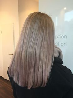Cologne Central Station Best Picture For balayage hair blonde copper For Your Taste You are looking Balayage Hair Blonde Medium, Blonde Balayage Highlights, Brown Blonde Hair, Hair Color Balayage, Dark Hair, Sandy Blonde, Dark Blonde, Cheveux Beiges, Underlights Hair
