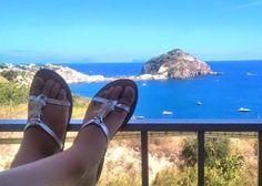 #ladolcevita a Sant'Angelo #siesta grazie ad Anna de Vanna ☀️☀️☀️  #sandals